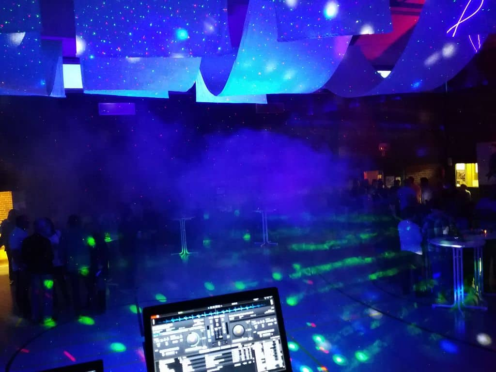 DJ-Konsole001